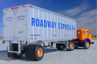 1953 ROADWAY EXPRESS White 3000 Super Power Semi Truck   First Gear