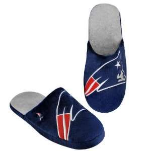 NEW ENGLAND PATRIOTS OFFICIAL LOGO PLUSH SLIPPERS SIZE S