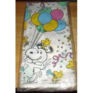 Peanuts Snoopy & Woodstock Table Cover, Tablecloth Toys & Games